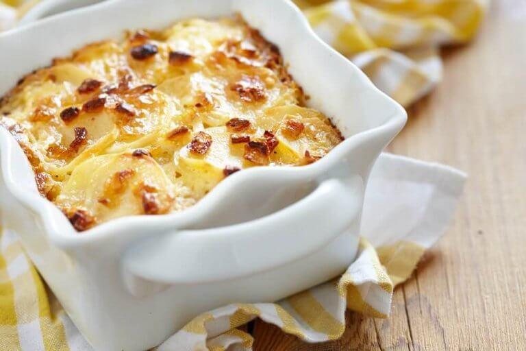 美味! チーズとジャガイモのグラタンの作り方