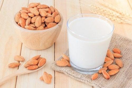 おやつにぴったり!植物性ミルクを使ったドリンクのレシピ