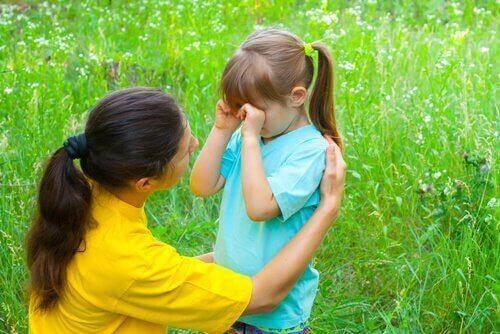 母と娘 子どもの癇癪を防ぐ
