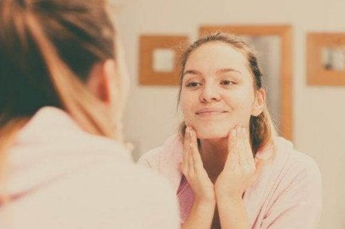 正しい方法で肌を清潔にするための5つのアドバイス
