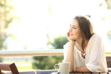 穏やかなコーヒータイム 心からパートナーを愛している4つのサイン