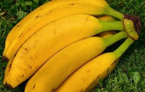 バナナ 食べるとハッピー!?幸せを感じるかもしれない食べ物
