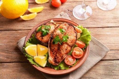 魚 食べるとハッピー!?幸せを感じるかもしれない食べ物