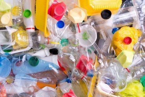 プラスチック包装
