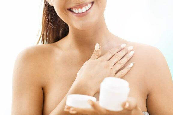 自然に肌を引き締める6つの方法