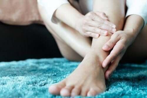 ウィリス・エクボム病(WED)またはむずむず脚症候群について
