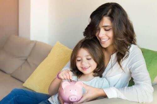 子供にお金の貯め方と使い方を教えよう