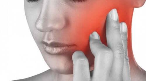 顎の痛み あごの痛みを和らげる5つの自然療法