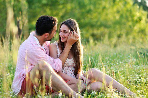 恋人たち 若いうちに結婚する5つのメリット