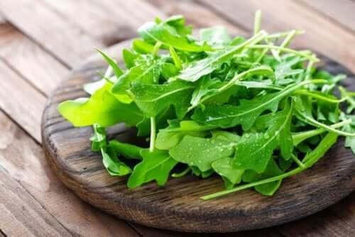 食事に加えるべき健康的で低カロリーな食品5選