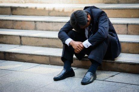 ストレスに苦しむ男性