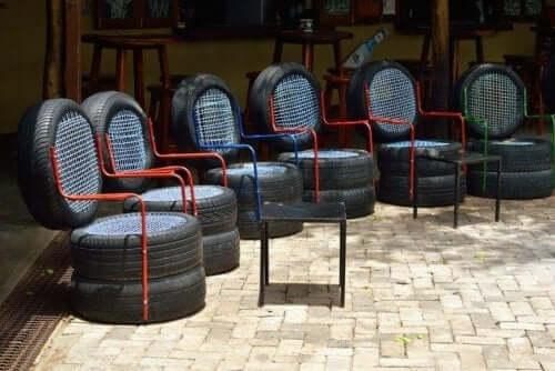 タイヤの椅子