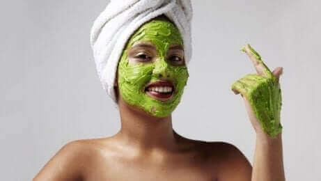 保湿マスク 日焼けによるシミを防ぐ