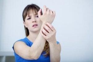 手根管症候群を緩和する7つの自然療法