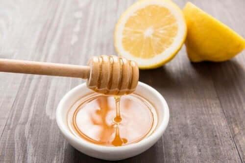 ハチミツとレモン 喉 痛み ドリンク