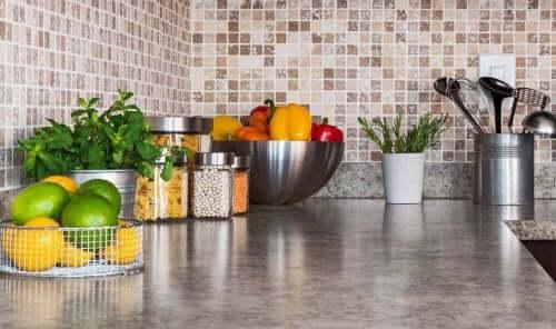 キッチンをすっきり片付ける6つの方法