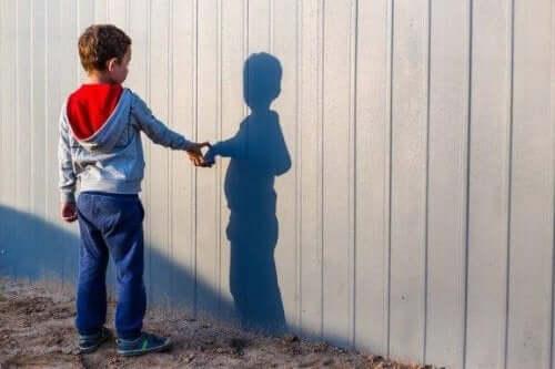イマジナリーフレンド:空想上の友達がいる子供とは?