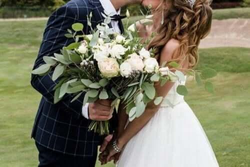 結婚式の日にちを決めるために