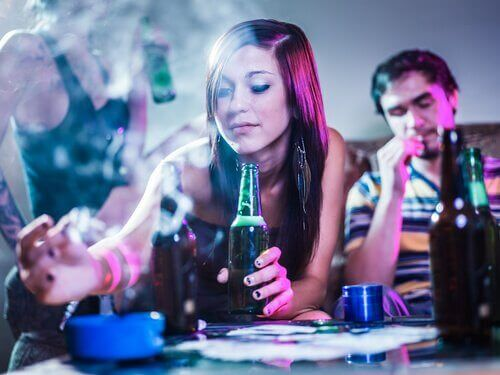 喫煙と飲酒 友達間のプレッシャー