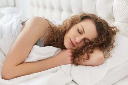 胃酸の逆流を予防する睡眠姿勢  胃酸 逆流