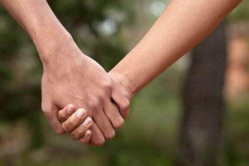 長続きするカップルが持つ8つの特徴