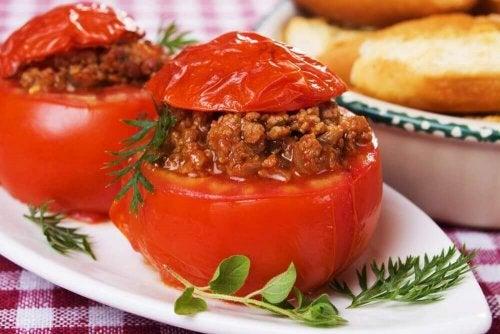 トマトの詰め物