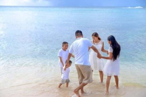 子供と海に出かけよう:楽しい時間を過ごすためのヒント