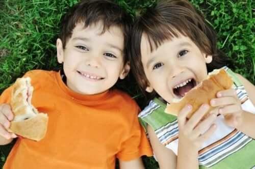 子供にとって大切な食習慣:ありがちな親の7つの間違い