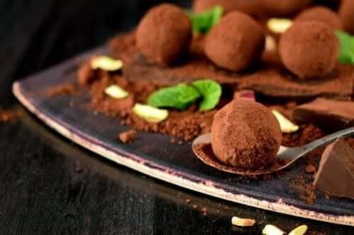 美味しい自家製チョコレートトリュフのレシピ