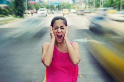 騒音が引き起こす健康被害5つ