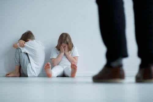 児童虐待の9つサイン