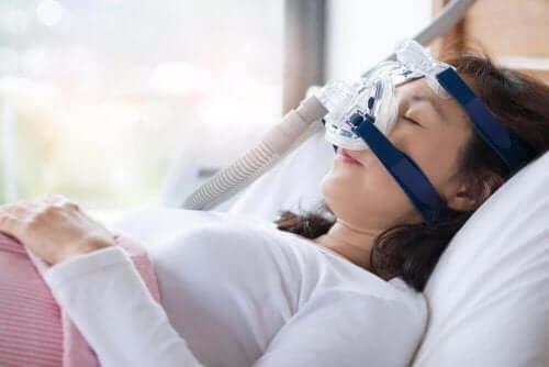 睡眠時無呼吸症候群の症状と治療法