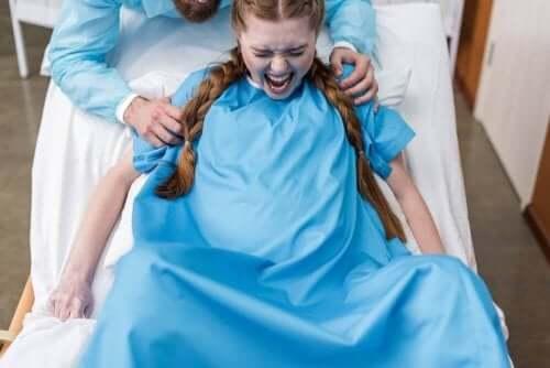 出産時の会陰裂傷を予防するには