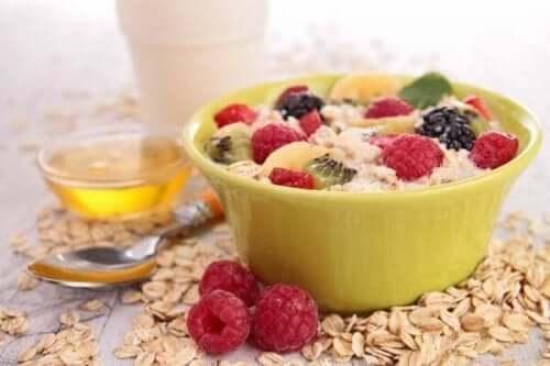 朝食でコレステロールを減らす5つのコツ