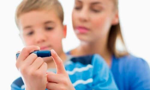 一型糖尿病の子ども
