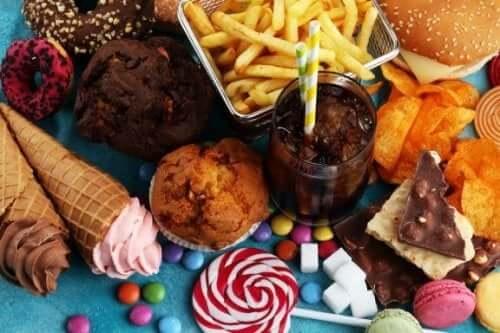 健康な食生活の敵:食べてはいけない8つの有害な食品