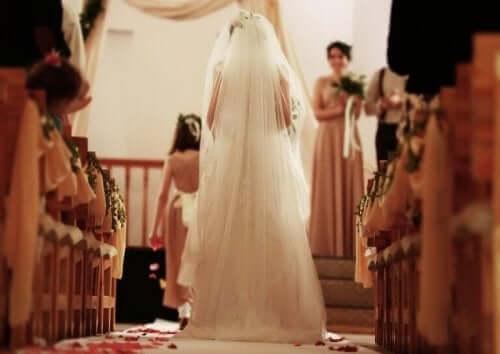 海外挙式におすすめ:新郎新婦の母親の服装のヒント 花嫁