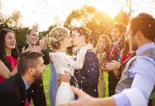 憧れの結婚式〜メイドオブオナーとベストマンの役割