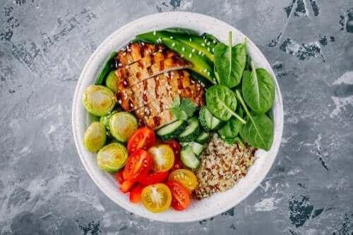 300キロカロリー以下!健康的な夕飯レシピを3つご紹介