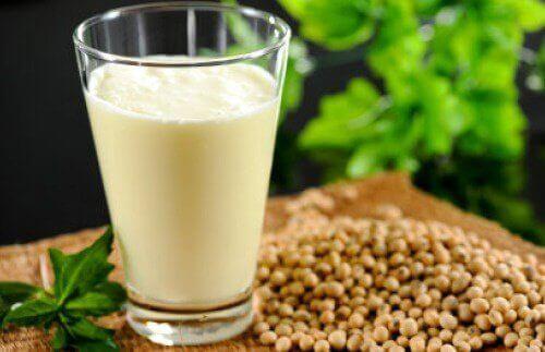 海外で人気のヘンプミルク:栄養価、利点、作り方