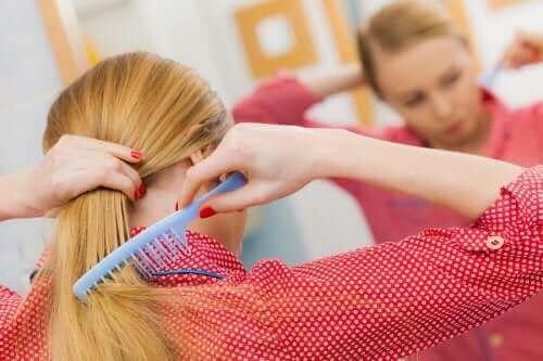 抜け毛予防:健康な頭皮のための5つのヒント