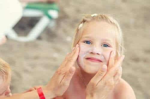 子供のための夏のスキンケアが重要な理由
