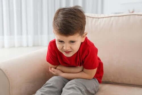 赤ちゃんの嘔吐の原因および予防法