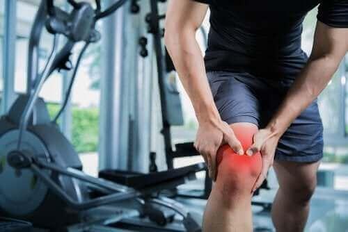 損傷の度合いによって異なる筋挫傷の症状と治療法 膝の痛み