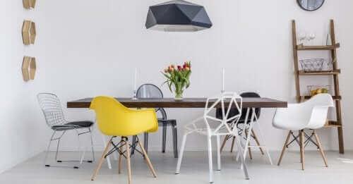丸みのある椅子 居心地の良い家作りのヒント