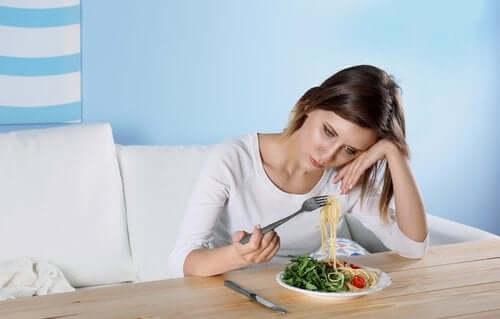 食欲不振 うつ病の隠れた兆候