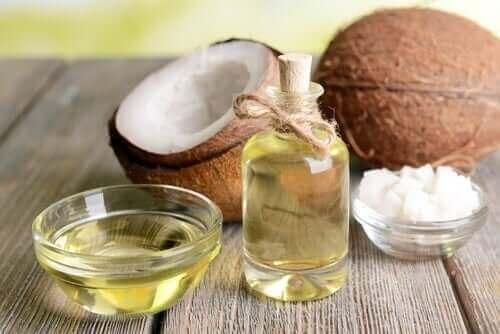 健康への高い効果が期待できる植物油4種 ココナッツオイル