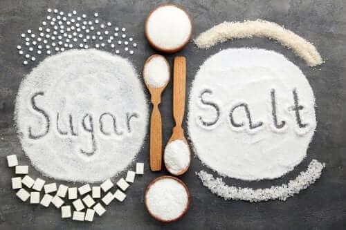 砂糖と塩:健康に有害なのはどちらの過剰摂取?