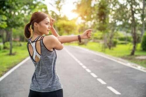 どちらがベスト? 筋肉の強化とストレッチ