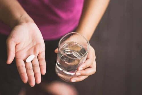 ノルフロキサシンの使用法と副作用 薬を飲む人